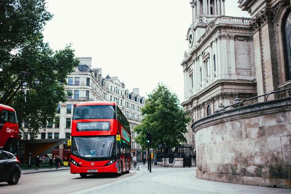 תחבורה ציבורית בלונדון, הסעות בלונדון